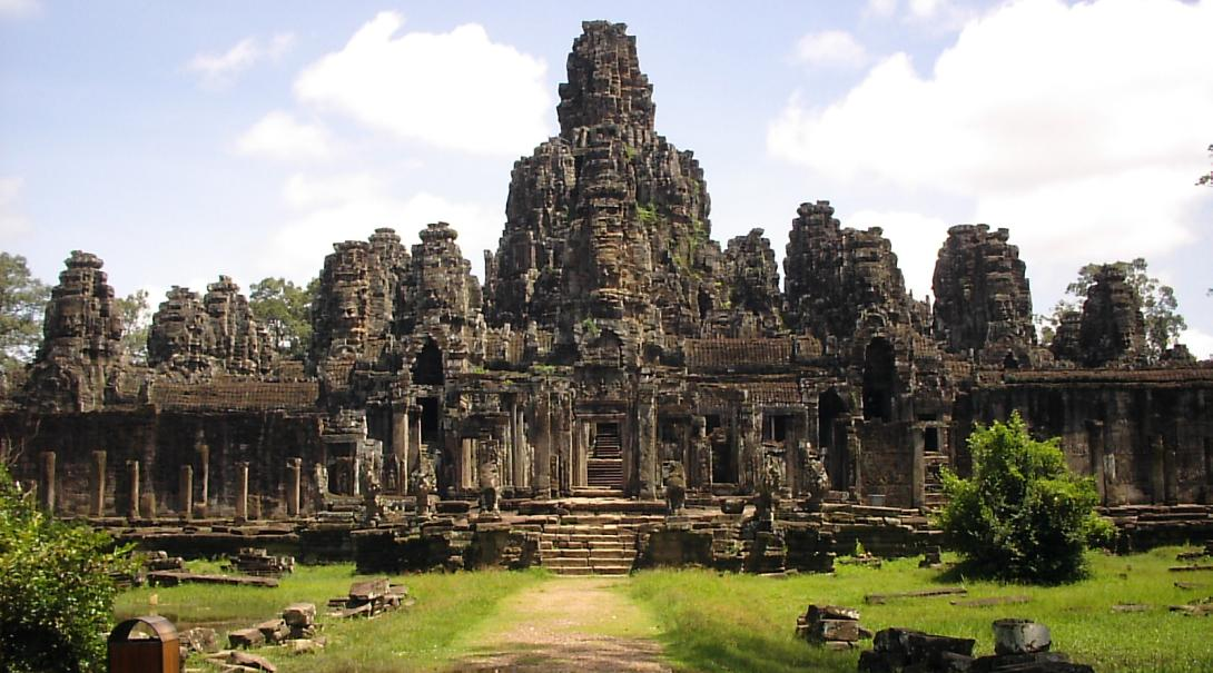 A Projects Abroad unique bucket list destination: The Angkor Wat in Cambodia
